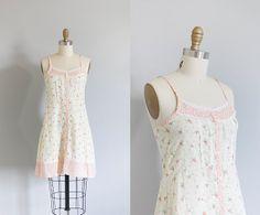 70s Mini Dress // XS by strawberrykoi on Etsy, $35.00