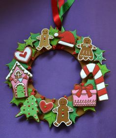 How to Make a Christmas ginger cookies wreath