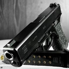 Glock 17 Find our speedloader now!  www.raeind.com  or  http://www.amazon.com/shops/raeind