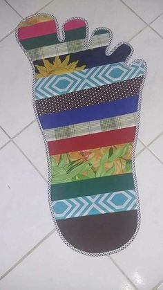 Ideas for Using Fabric Patches in Decor, Fabric Patch, Patch Quilt, Rag Quilt, Quilts, Sewing Art, Love Sewing, Sewing Crafts, Sewing Projects, Quilt Patterns