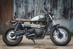 The British manufacturer, Triumph Motorcycle, introduced the latest addition to their scrambler motorbike lineup. Triumph presents the Scrambler 1200 with this Triumph Scrambler Custom, Scrambler Motorcycle, Triumph Motorcycles, Triumph Car, Triumph T100, British Motorcycles, Cool Motorcycles, Vintage Motorcycles, Triumph Triple