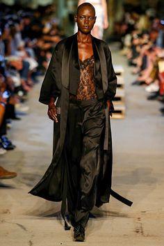 Givenchy Spring 2016 Ready-to-Wear Collection Photos - Vogue