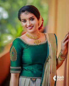 Long Skirt Top Designs, Long Skirt And Top, Dress Neck Designs, Fancy Blouse Designs, Bridal Blouse Designs, Kerala Saree Blouse Designs, Half Saree Designs, Simple Kurti Designs, Kurta Designs Women