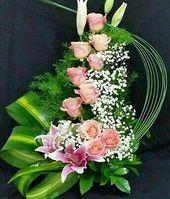 Tropical Flower Arrangements, Creative Flower Arrangements, Flower Arrangement Designs, Church Flower Arrangements, Rose Arrangements, Beautiful Flower Arrangements, Unique Flowers, Beautiful Flowers, Altar Flowers