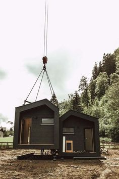 Tiny Houses, Minimalism, Cabin, War, House Styles, Home Decor, The Year, Little Houses, Tiny House Cabin