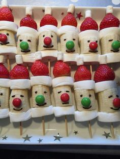 25 Days of Christmas Party Food Christmas Party Snacks, Christmas Brunch, Xmas Food, Snacks Für Party, Christmas Breakfast, Christmas Appetizers, Christmas Cupcakes, Holiday Treats, Kids Christmas