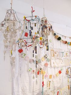 boy nursery idea: paper airplanes instead of the paper hearts, lamp frame spray painted a boy color. Mobiles, Fun Crafts, Diy And Crafts, Dottie Angel, Diy Chandelier, Chandeliers, Modern Chandelier, Granny Chic, Paper Hearts