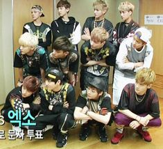 """[GIF] Hahahahah EXO♥ lol Kris is like """"this is not my style"""""""