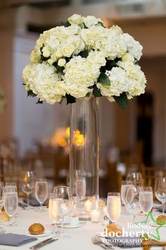 Photo: Lindsay Docherty; Floral Design: Beautiful Blooms, LLC