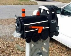 PictoVista: Unusual Mailboxes