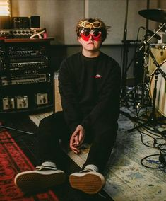Listen to every Lewis Capaldi track @ Iomoio Bedroom Wall Collage, Photo Wall Collage, Picture Wall, Aesthetic Photo, Aesthetic Pictures, Aesthetic Collage, Polaroid Wall, Polaroid Display, Pretty People