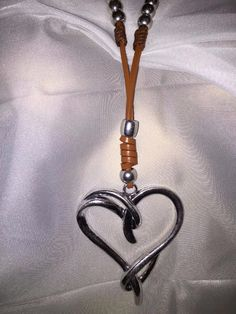 Chunky Silver Heart Black Leather Cord Collar Necklace Lagenlook Jewellery mq5U9o7r