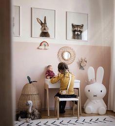 Little girl& room - -