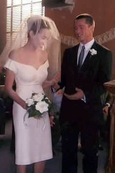 Revisit the most memorable bridal gowns for film and television. Angelina Jolie Wedding, Angelina Jolie Young, Brad And Angelina, Movie Wedding Dresses, Wedding Movies, Wedding Scene, Mr And Miss Smith, Marriage Dress, Famous Couples