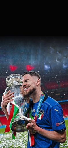 Steven Gerrard, Italy National Football Team, Chelsea Wallpapers, Football Fever, Football Images, Premier League, Football Wallpaper, Neymar Jr, Ac Milan