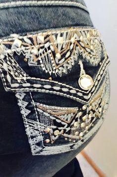 Woman's Miss EARLJEAN Size22 Tribal BlingMe Rhinestone Bootcut Sexy! 43x32 #EarlJeans #BootCut