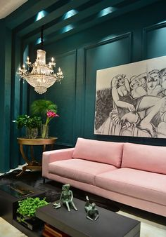The Peak of Tres Chic: Needing, Wanting, Loving: A Pink Sofa
