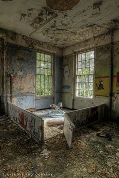 West Park Mental Hospital, England. Built in the 1920s. ❤
