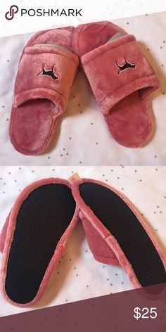 VS PINK Soft Begonia/ PINK Slippers NWT! Size medium - fits 7/8. Perfect Holiday gift! Super soft! Sold out in most stores! PINK Victoria's Secret Shoes Slippers