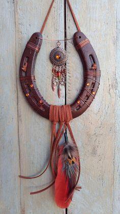 Native Feather Lucky Horseshoe Art