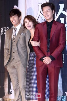 Choi Jin Hyuk with Lee Min Ho - The Heirs Press Conference<br> Heirs Korean Drama, Drama Korea, The Heirs, Asian Actors, Korean Actors, Lee Min Ho Kdrama, Arabic Wedding Dresses, The Great Doctor, Emergency Couple