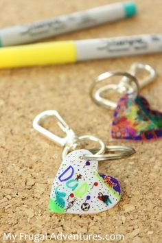 Children's artwork keychain- simple homemade gift idea. Perfect for Father's Day!