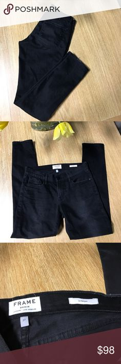 """FRAME DENIM Almost new black skinny crop jeans the inseam is 28"""" aproximally Frame Denim Jeans Ankle & Cropped"""