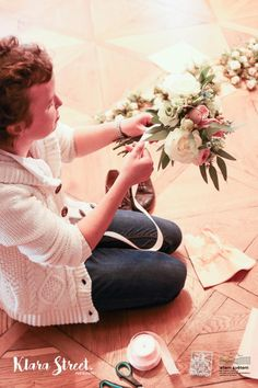 Zahradní a krajinářská architektura, zakázková floristika - Letem květem #svatba #svatbapraha #svatbaceskarepublika #svatebnikvetinypraha #svatebnidekorace #svatebnikytice #korsaz #weddingflower #weddingbouquets #weddingdecoration  #flowerdecoration #yourweddingday #letemkvetem Capri Pants, Fashion, Moda, Capri Trousers, Fashion Styles, Fashion Illustrations