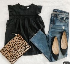 Summer Dressy Casual / Date / Dinner Outfit 2019 Black blouse / top+jeas+black pointed flats+leopard print clutch. Summer Dressy Casual / Date / Dinner Outfit 2019 Mode Outfits, Dress Outfits, Fashion Outfits, Womens Fashion, Club Outfits, Night Outfits, Fashion Trends, Shirt Outfit, Woman Outfits
