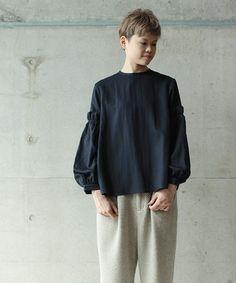 【ZOZOTOWN|送料無料】Ebonyivory(エボニーアイボリー)のシャツ/ブラウス「ポワエールツイル ギャザースリーブBL」(2001BL008162)を購入できます。