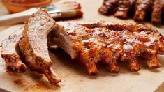 For many people, barbecue ribs mean barbecue sauce. Whether you slow smoke your ribs or not, slathering on a rich, barbecue sauce finishes them off. Rib Recipes, Cooking Recipes, Bbq Pork Ribs, Prime Rib Roast, Spare Ribs, Smoked Pork, Pressure Cooker Recipes, Snack, Love Food