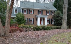 Hang Wreaths on Your Exterior Windows: A Tutorial