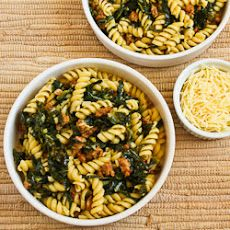 Pasta with Hot Italian Sausage, Kale, Garlic, and Red Pepper Flakes ...