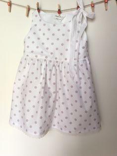 Abito in cotone per bambina senza maniche, abito estivo taglia 4 anni di Magicamaria su Etsy https://www.etsy.com/it/listing/237847889/abito-in-cotone-per-bambina-senza