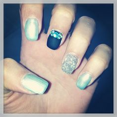 Nails ongles déco strass paillettes