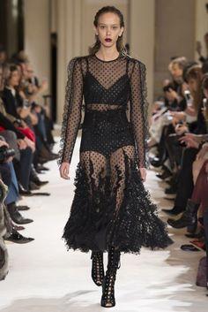 Giambattista Valli Autumn/Winter 2017 Ready-to-wear Collection | British Vogue