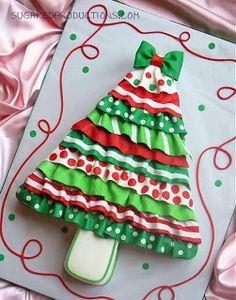 Ruffled Christmas Tree cake | Sugared Productions Blog