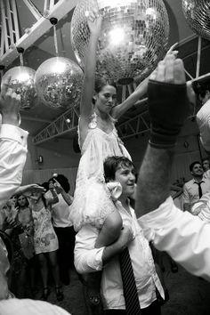 Flecos & felicidad… *CASAMIENTOS REALES - By Alvaro Barros Fotografía Para ver más fotos de este casamiento: http://www.wedstyle.com.ar/wedstyle/blog/flecos-felicidad-casamientos-reales/