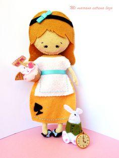 Muñeca Fieltro Alicia, Niños y bebé, Juguetes, Juguetes, Muñecas, Juguetes, Miniaturas