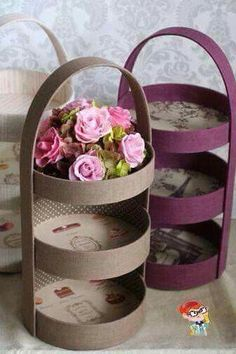 Easy Recycle Craft - You could use plastic lids to create this look!Three tier display - photo only. Old cake pans, cover, and line with vintage paper. Or sturdy cardboard rounds cut to size, I've seen large cardboard tubs tossed from the kitchen whe Diy Home Crafts, Crafts For Kids, Arts And Crafts, Creative Crafts, Cardboard Crafts, Paper Crafts, Jute Crafts, Cardboard Tubes, Diy Para A Casa