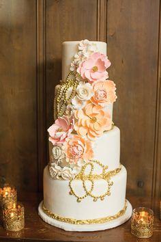 old-hollywood-cake-with-tealights. Elegant wedding blog.