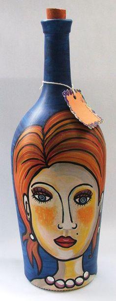 Botella, love the face Wine Bottle Art, Painted Wine Bottles, Painted Wine Glasses, Wine Bottle Crafts, Decoupage Glass, Jar Art, Altered Bottles, Bottle Painting, Bottle Design