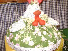 galinha cobre-bolo,em tecido de algodão.