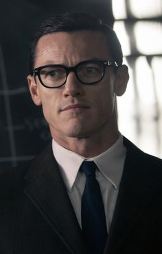Luke Evans as Bruce Reynolds in The Great Train Robbery