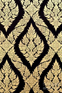 Love the intricacy and symmetry of this traditional Thai pattern.