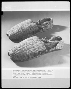 Sandals of Stephen III, These are most likely alpargatas (espadrilles) made of esparto grass rope. Historical Costume, Historical Clothing, Espadrille Shoes, Espadrilles, 16th Century Clothing, French Shoes, Rope Sandals, Narrow Shoes, Clothing And Textile