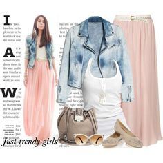 casual pastel chiffon maxi skirt outfit Trendy girly street styles outfits http://www.justtrendygirls.com/trendy-girly-street-styles-outfits/