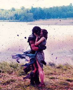 Kit Harington & Emily Browning in 'Pompeii' - such a powerful scene!