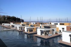Floating Houses. Ideas for rental or vacation properties.