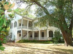 Greek Revival c. 1851  Jefferson, TX  oh heaven help me I'd love to see this return to glory!